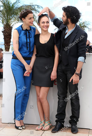 (l-r) French Actress Berenice Bejo Belgian Actress Pauline Burlet and French Actor Tahar Rahim Pose During the Photocall For 'Le Passe' (the Past) at the 66th Annual Cannes Film Festival in Cannes France 17 May 2013 the Movie is Presented in the Official Competition of the Festival Which Runs From 15 to 26 May France Cannes