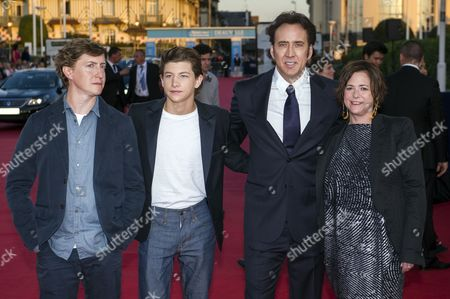 (l-r) Us Film Director David Gordon Green Us Actors/cast Members Tye Sheridan and Nicolas Cage and Us Producer Lisa Muskat Pose While Arriving For the Screening of 'Joe' During the 39th Annual Deauville American Film Festival in Deauville France 02 September 2013 the Movie is Presented out of Competition As a Premiere at the Festival That Runs From 30 August to 08 September France Deauville