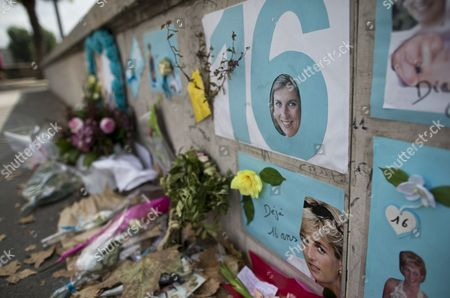 A Makeshift Memorial of Flowers and Pictures For Britain's Late Princess Diana on the Pont De L'alma Bridge in Paris France 31 August 2013 Today Marks the 16th Anniversary of the Fatal Car Crash That Killed Princess Diana and Her Companion Dodi Al-fayed in the Tunnel Beneath the Alma Bridge France Paris