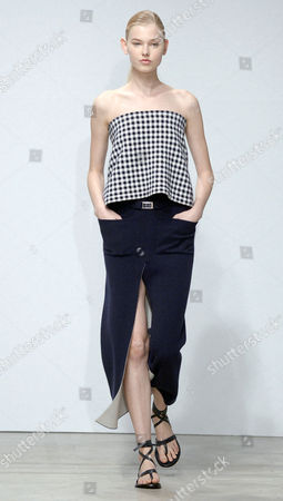 A Model Presents a Creation From the Spring/summer 2015 Ready to Wear Collection by German Designer Andrea Karg For Allude During the Paris Fashion Week in Paris France 01 October 2014 the Presentation of the Women's Collections Runs From 23 September to 01 October France Paris