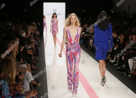 Stock Image of Models Present Creations From the Spring/summer 2014 Ready to Wear Collection by Italian Designer Raffaele Borriello For Leonard Fashion House During the Paris Fashion Week in Paris France 30 September 2013 the Presentation of the Women's Collections Runs From 24 September to 02 October France Paris