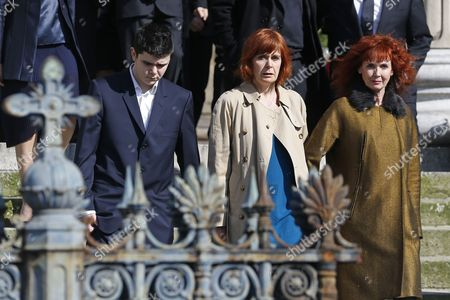 Alain Resnais's Partner the French Actress Sabine Azema (r) Leaves with Relatives the Saint-vincent-de-paul Church After Attending the Funeral of French Director Alain Resnais in Paris France 10 March 2014 Resnais Died at the Age of 91 Years Old France Paris
