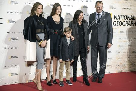 Chilean Actress Carolina Parsons (l) Paris Mayor Anne Hidalgo(2-r) Global Fundraising Chairman of the Leonardo Dicaprio Foundation (ldf) Milutin Gatsby (r) and Gatsby's Children Pose For the Photographers Prior to the Premiere of the Documentary 'Before the Flood' in Paris France 17 October 2016 'Before the Flood' is a Documentary Film About Climate Change and is Directed by Us Director Fisher Evans France Paris