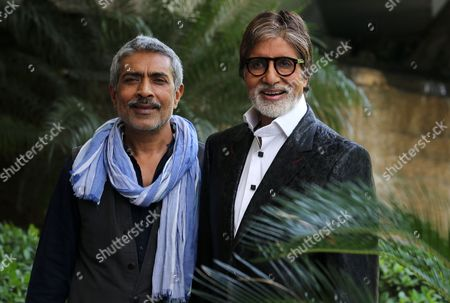 Bollywood Actor Amitabh Bachchan (r) and Indian Director Prakash Jha Attend a Photocall in New Delhi India 21 August 2013 Bachchan and Jha Came to New Delhi For the Promotion of Their Upcoming Movie 'Satyagraha ' Which is Set to Be Released on 30 August India New Delhi