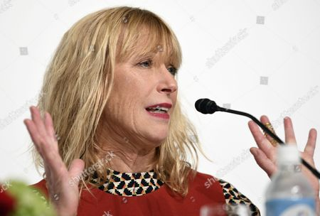 Us Photographer Cindy Sherman Speaks During a Press Conference For the 28th Praemium Imperiale in Tokyo Japan 17 October 2016 the Praemium Imperiale is a Global Arts Prize Awarded Annually by the Japan Art Association Five Laureates Are Nominated in the Fields of Painting Sculpture Architecture Music and Theatre/film For Its 28th Edition the Praemium Imperiale Awards Have Been Given to Us Photographer Cindy Sherman French Sculptor Annette Messager Brazilian Architect Paulo Mendes Da Rocha Latvian Musician Gidon Kremer and Us Film Director Martin Scorsese Japan Tokyo