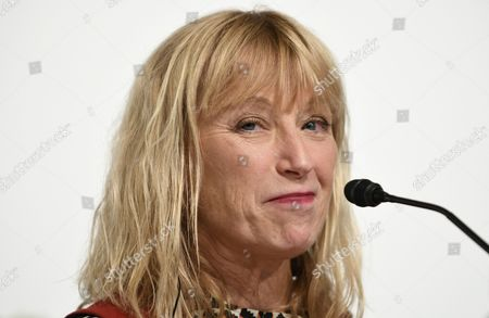 Us Photographer Cindy Sherman Attends a Press Conference For the 28th Praemium Imperiale in Tokyo Japan 17 October 2016 the Praemium Imperiale is a Global Arts Prize Awarded Annually by the Japan Art Association Five Laureates Are Nominated in the Fields of Painting Sculpture Architecture Music and Theatre/film For Its 28th Edition the Praemium Imperiale Awards Have Been Given to Us Photographer Cindy Sherman French Sculptor Annette Messager Brazilian Architect Paulo Mendes Da Rocha Latvian Musician Gidon Kremer and Us Film Director Martin Scorsese Japan Tokyo