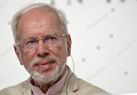Latvian Musician Gidon Kremer Attends a Press Conference For the 28th Praemium Imperiale in Tokyo Japan 17 October 2016 the Praemium Imperiale is a Global Arts Prize Awarded Annually by the Japan Art Association Five Laureates Are Nominated in the Fields of Painting Sculpture Architecture Music and Theatre/film For Its 28th Edition the Praemium Imperiale Awards Have Been Given to Us Photographer Cindy Sherman French Sculptor Annette Messager Brazilian Architect Paulo Mendes Da Rocha Latvian Musician Gidon Kremer and Us Film Director Martin Scorsese Japan Tokyo