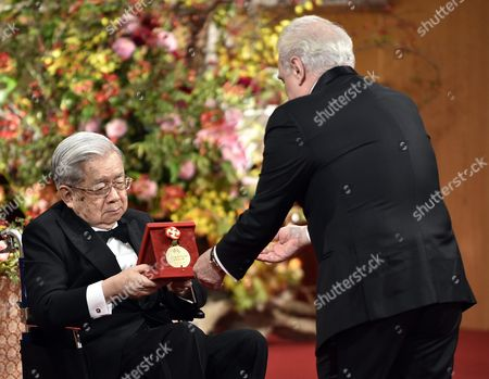 Us Film Director Martin Scorsese (r) Receives a Medal From Japanese Prince Hitachi During the Awards Ceremony of the 28th Praemium Imperiale in Tokyo Japan 18 October 2016 the Praemium Imperiale is a Global Arts Prize Awarded Annually by the Japan Art Association Five Laureates Are Nominated in the Fields of Painting Sculpture Architecture Music and Theatre/film Japan Tokyo