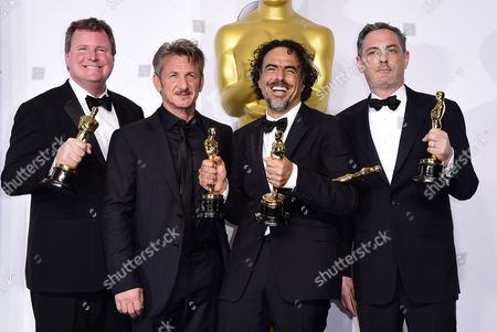 (l-r) James W Skotchdopole Presenter Sean Penn Alejandro G Inarritu and John Lesher Pose with Their Academy Award For Best Picture For 'Birdman Or (the Unexpected Virtue of Ignorance)' in the Press Room During the 87th Annual Academy Awards Ceremony at the Dolby Theatre in Hollywood California Usa 22 February 2015 the Oscars Are Presented For Outstanding Individual Or Collective Efforts in 24 Categories in Filmmaking United States Hollywood