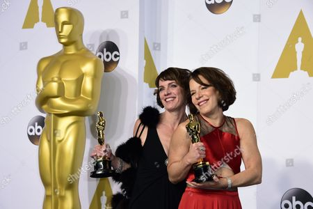 Dana Perry (l) and Ellen Goosenberg Kent (r) Poses with Their Academy Award For Best Documentary Short Subject For 'Crisis Hotline: Veterans Press 1' in the Press Room During the 87th Annual Academy Awards Ceremony at the Dolby Theatre in Hollywood California Usa 22 February 2015 the Oscars Are Presented For Outstanding Individual Or Collective Efforts in 24 Categories in Filmmaking United States Hollywood
