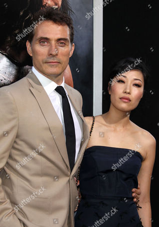 British Actor Rufus Sewell (l) and Partner Ami Komai (r) Arrive For the Premiere of 'Hercules' at the Tcl Chinese Theatre in Hollywood California Usa 23 July 2014 the Movie Will Be Released in Us Theaters on 25 July United States Hollywood