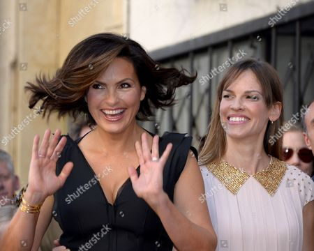 Us Actress Mariska Hargitay (l) and Us Actress Hillary Swank (r) React During Introductions For Hargitay's Star Ceremony on the Hollywood Walk of Fame in Hollywood California Usa 08 November 2013 Hargitay was Awarded the 2 511th Star on the Hollywood Walk of Fame in the Category of Television Her Star is Located Next to the Star of Her Mother Us Actress Jayne Mansfield United States Hollywood