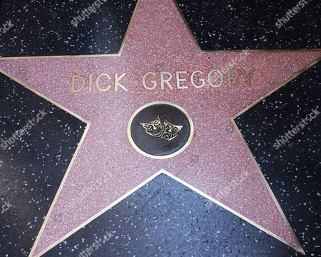Us Entertainer/activist Dick Gregory Receives a Star on the Hollywood Walk of Fame During Ceremony in Hollywood California Usa 02 February 2015 Gregory was Awarded the 2 542nd Star on the Hollywood Walk of Fame in the Category of Live Theatre/performance United States Hollywood