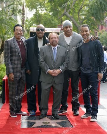 Us Singers Smokey Robinson (l) Stevie Wonder (2l) Ll Cool J (2r) and John Legend (r) Pose with Us Television Producer Ken Ehrlich (c) on Ehrlich's Star on the Hollywood Walk of Fame During Ceremony in Hollywood California Usa 28 January 2015 Ehrlich was Awarded the 2 541st Star on the Hollywood Walk of Fame in the Category of Television United States Hollywood