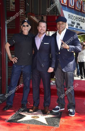 Us Director/writer Paul Brickman (l) Us Actor Chris O'donnell (c) and Us Actor/rapper Ll Cool J (r) Pose with O'donnell's Star on the Hollywood Walk of Fame During Ceremony in Hollywood California Usa 05 March 2015 O'donnell was Awarded the 2 544th Star on the Hollywood Walk of Fame in the Category of Television United States Hollywood