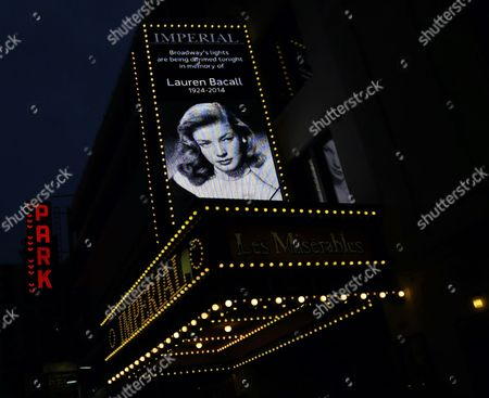 Times Square Pays Tribute to Us Actress Lauren Bacall As Broadway Dims the Lights to Honor Her Life and Career in New York New York Usa 15 August 2014 Bacall Died on 12 August 2014 at the Age of 89 United States New York