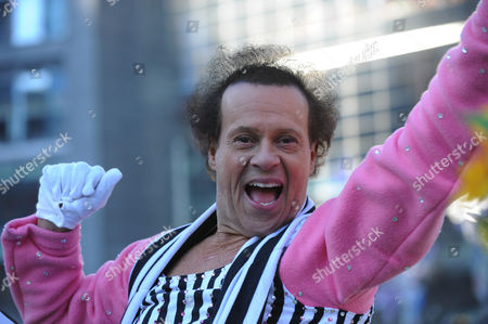 Us Fitness Personality Richard Simmons Rides a Float in the Macy's 87th Annual Thanksgiving Day Parade in New York City Usa 28 November 2013 the Annual Parade Which Began in 1924 Features Giant Balloons of Characters From Popular Culture Floating Above the Streets of Manhattan United States New York