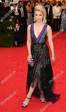 Us Actress Dianna Agron Arrives For the 2014 Anna Wintour Costume Center Gala Held at the New York Metropolitan Museum of Art in New York New York Usa 05 May 2014 the Costume Institute's New Anna Wintour Costume Center Opens on 08 May with the Exhibition 'Charles James: Beyond Fashion ' United States New York