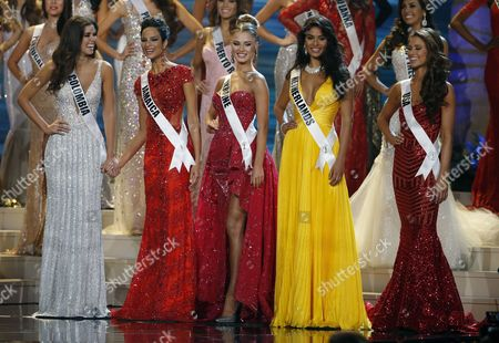 The Five Miss Universe Finalists (l-r) Miss Miss Colombia Paulina Vega Miss Jamaica Kaci Fennell Miss Ukraine Diana Harkusha Miss Netherlands Yasmin Verheijen and Miss Usa Nia Sanchez During the 2014 Miss Universe Final at the Fiu Arena in Miami Usa 25 January 2015 United States Miami