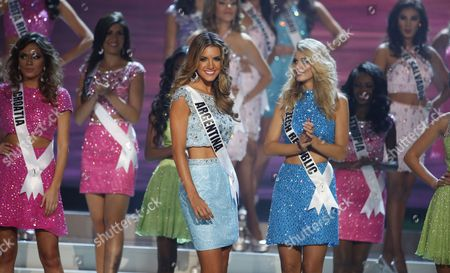 Miss Argentina Valentina Ferrer (c-l) and Miss Czech Republic Gabriela Frankova (c-r) Compete on Stage During the 2014 Miss Universe Final at the Fiu Arena in Miami Usa 25 January 2015 United States Miami