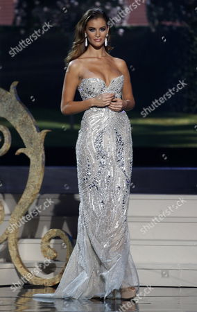 Miss Spain Desire Cordero Ferrer Competes Onstage During the Evening Gown Competition During the 2014 Miss Universe Final at the Fiu Arena in Miami Usa 25 January 2015 United States Miami