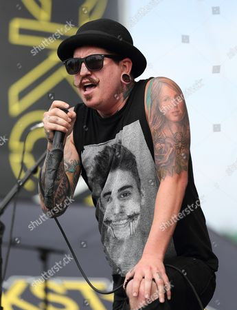 Craig Mabbitt of the Us Band Escape the Fate Performs at the Uproar Festival at the Klipsch Music Center in Indianapolis Indiana Usa 24 August 2014 United States Indianapolis