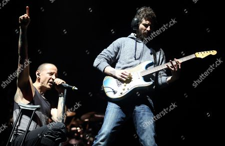 Chester Bennington (l) Brad Delson (r) of the Us Band Linkin Park Perform at the Bankers Life Fieldhouse in Indianapolis Indiana Usa 18 January 2015 United States Indianapolis