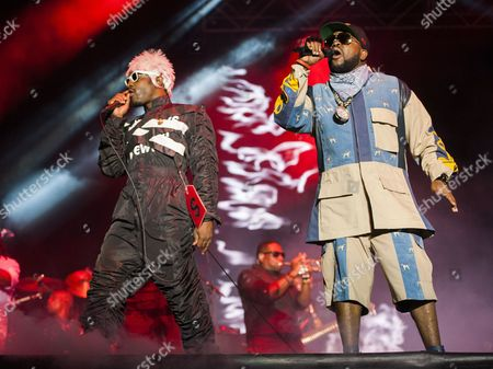 Antwan 'Big Boi' Patton (r) and Andre 'Andre 3000' Benjamin (l) of the Us Hip Hop Duo Outkast Performs at the 2014 Austin City Limits Music Festival at Zilker Park in Austin Texas Usa 10 October 2014 United States Austin