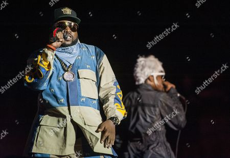 Antwan 'Big Boi' Patton (l) and Andre 'Andre 3000' Benjamin (r) of the Us Hip Hop Duo Outkast Performs at the 2014 Austin City Limits Music Festival at Zilker Park in Austin Texas Usa 10 October 2014 United States Austin