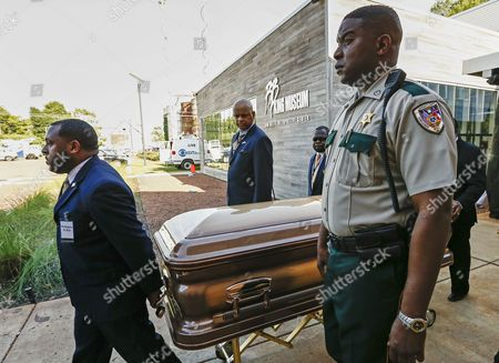 The Casket Containing the Mortal Remains of Blues Legend B B King Leave the B B King Museum After Visitation and Public Viewing of the Body in Indianola Mississippi Usa 29 May 2015 King Died on 14 May While in Home Hospice Care in His Home in Las Vegas Nevada Usa and Will Be Buried in Indianola on 30 May United States Indianola