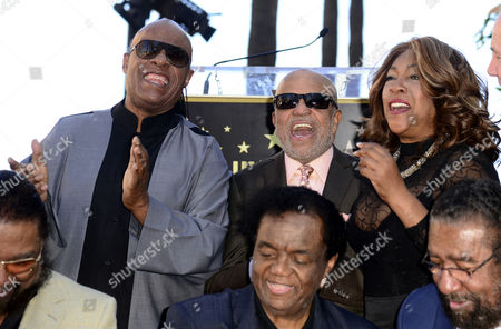 Us Singer Stevie Wonder (l) Motown Founder Berry Gordy (c) and Mary Wilson (r) From the Supreme Sing As Us Songwriters and Producers Eddie Holland Lamont Dozier and Brian Holland Are Honored with a Star on the Hollywood Walk of Fame in Hollywood California Usa 13 February 2015 This is the 2 543rd Star on the Hollywood Walk of Fame United States Hollywood