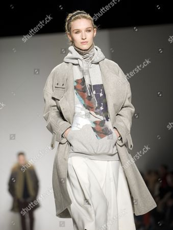 A Model Presents a Creation From the Fall/winter 2015 Collection by Richard Chai During Mercedes-benz Fashion Week in New York New York Usa 12 February 2015 the Fall/winter 2015 Collections Are Presented From 12 to 19 February United States New York