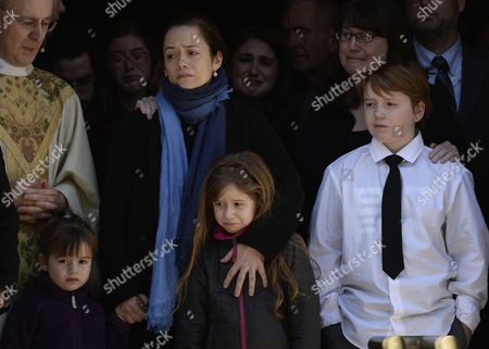Long Time Girlfriend of Us Actor Phillip Seymour Hoffman Mimi O'donnel (2l) with Their Children Tallulah (l) Willa (2r) and Cooper Alexander (r) Leave the Funeral Mass For Hoffman at St Ignatius Church in New York New York Usa 07 February 2014 Hoffman 46 Died 02 February From a Suspected Drug Overdose United States New York