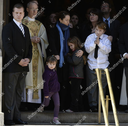 Long Time Girlfriend of Us Actor Phillip Seymour Hoffman Mimi O'donnel (c) with Their Children Tallulah (l) Willa (c) and Cooper Alexander (r) Leave the Funeral Mass For Hoffman at St Ignatius Church in New York New York Usa 07 February 2014 Hoffman 46 Died 02 February From a Suspected Drug Overdose United States New York