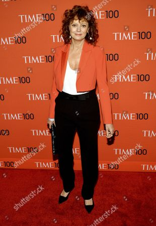 Stock Photo of Us Actress Susan Sarandon Arrives For the Annual Time 100 Gala at Federick P Rose Hall in New York New York Usa 29 April 2014 the Annual Event Celebrates the Magazine's Yearly Issue That Names 100 Highly Influential People From Various Disciplines United States New York