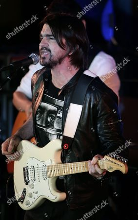 Columbian Singer Juanes Aka Juan Esteban Aristizabal Vasquez Performs at the World Humanitarian Day Concert at the United Nations Headquarters in New York Usa 18 August 2015 United States United Nations