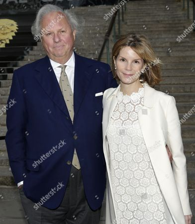 Editor in Chief of Vanity Fair Graydon Carter (l) and Anna Scott Carter (r) Attend the Vanity Fair Party For the Tribeca Film Festival in New York New York Usa 23 April 2014 United States New York