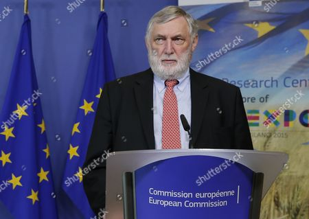 Austrian Franz Fischler Chairman of the Expo 2015 Eu Scientific Steering Committee Speaks During a Joint News Conference with Hungarian Eu Commissioner-designate in Charge of Education Culture Youth and Citizenship Tibor Navracsics (unseen) at the Eu Commission Headquarters in Brussels 13 April 2015 the European Commission Launches an Online Consultation on How Science and Innovation Can Help the Eu Ensure Safe Nutritious Sufficient and Sustainable Food Globally with a Discussion Linked to the Universal Exhibition Expo2015 Belgium Brussels