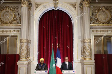 French President Francois Hollande (r) and Africa Union Commission Chairperson Nkosazana Clarice Dlamini Zuma (l) Make a Statement After Their Meeting at the Elysee Palace in Paris France 06 October 2014 France Paris