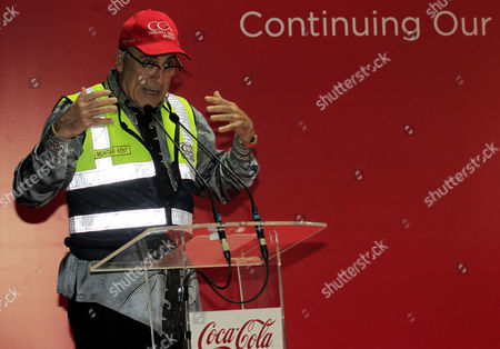 Chairman and Ceo of the Coca Cola Company Muhtar Kent Gives a Speech at the Coca Cola Amatil Indonesia (ccai) Cikekodan Plant in Bekasi West Java Indonesia 31 March 2015 According to Reports the Company Will Build a New Plant in Cikedokan with Planned Investments Worth 500 Million Us Dollars to Accelerate Growth in Indonesian Market in the Next Three to Four Years Indonesia Jakarta