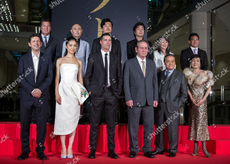 Cast and Crew Members Pose For Photographers During the Premiere of 'Emperor' in Tokyo Japan 18 July 2013 Front Row (l-r): British Director Peter Webber Japanese Actress/cast Member Eriko Hatsune Us Actor/cast Member Matthew Fox Us Actor/cast Member Tommy Lee Jones Japanese Actor/cast Member Toshiyuki Nishida Japanese Actress/cast Member Kaori Momoi Back Row (l-r): Us Producer Gary Foster Japanese Producer Masato Ibu Japanese Actor Masayoshi Haneda Japanese Actor Masatoshi Nakamura Japanese Producer Yoko Narahashi Japanese Producer Eugene Nomura the Post-world War Ii Movie Will Be Released in Japanese Theaters on 27 July Japan Tokyo