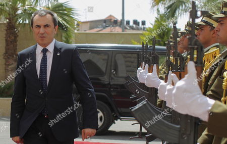 Bulgarian Prime Minister Plamen Oresharski Inspects Palestinian Honor Guards As He Arrives at the Palestinian Prime Minister's Office in the West Bank Town of Ramallah 21 May 2014 Oresharski is on an Official Visit to the Region - Ramallah