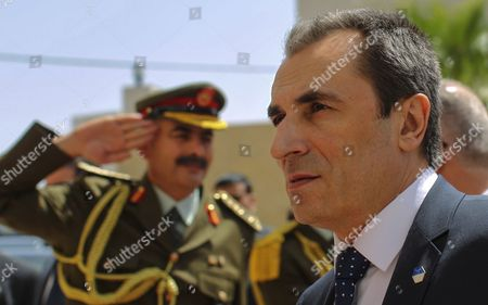 Bulgarian Prime Minister Plamen Oresharski (r) Inspects Palestinian Honor Guards As He Arrives at the Palestinian Prime Minister's Office in the West Bank Town of Ramallah 21 May 2014 Oresharski is on an Official Visit to the Region - Ramallah