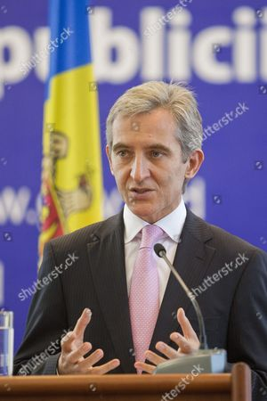The Prime Minister of Moldova Iurie Leanca Gestures at Briefing with Laura Tuck the World Bank's Vice President For Europe and Central Asia (not Pictured) During Her Two-day Visit in the Government Building in Chisinau Moldova 22 September 2014 Moldova, Republic of Chisinau