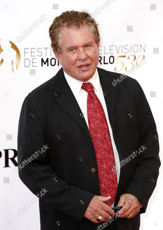U S Actor Tom Berenger Poses For the Media As He Arrives on the Red Carpet For the Opening Ceremony of the Monte Carlo Television Festival in Monte Carlo Monaco 09 June 2013 the Festival Runs From 09 to 13 June Monaco Monte Carlo
