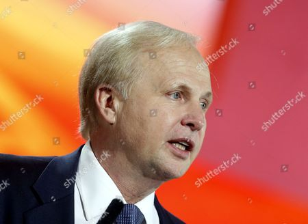 Bp Ceo Bob Dudley (r) Speaks During a Session of the 21st World Petroleum Congress (wpc) in Moscow Russia 17 June 2014 the 21st World Petroleum Congress is Running For 15 to 19 June 2014 Russian Federation Moscow