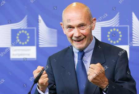 Pascal Lamy Former Director General of the World Trade Organisation (wto) and Chairman of the Advisory Group and Neelie Kroes (not Pictured) Vice President of the European Commission in Charge of Digital Agenda Present the Report on the Future Use of Uhf Spectrum For Tv and Wireless Broadband at the Eu Commission Headquarters in Brussels Belgium 01 September 2014 Main Recommendations Include a Method For Further Sharing of 700mhz Spectrum For Broadband Use While Preserving Opportunities For Tv Belgium Brussels