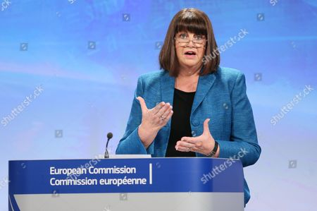 European Commissioner For Research Innovation and Science Maire Geoghegan-quinn of the Republic of Ireland Gives a News Conference on Horizon 2020 Funding at Eu Headquarters in Brussels Belgium 11 December 2013 the European Commission Has Today For the First Time Presented Calls For Projects Under Horizon 2020 the European Union's 80 Billion Euro Research and Innovation Programme Worth More Than 15 Billion Euros Over the First Two Years the Funding is Intended to Help Boost Europe's Knowledge-driven Economy and Tackle Issues That Will Make a Difference in People's Lives This Includes 12 Areas That Will Be a Focus For Action in 2014/2015 Including Topics Such As Personalised Healthcare Digital Security and Smart Cities Belgium Brussels