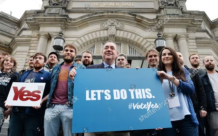 Scotland's First Minister Alex Salmond (c) with Scottish Singer Amy Mcdonald (r) and Other Scottish Bands Franz Ferdinand Frightened Rabbit Mogwai and Others Ahead of a Special 'Vote Yes' Concert 'A Night For Scotland' in Edinburgh Scotland 14 September 2014 an Opinion Poll For a National Sunday Newspaper Shows the No Vote on 53% to 47% For Yes Although the Number of Undecided Means the Result of the 18 September Independence Reference is Still to Close to Call United Kingdom Edinburgh