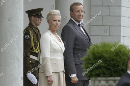 Stock Image of Estonian President Toomas Hendrik Ilves (r) and Estonia's First Lady Evelin Ilves Attend the Welcoming Ceremony For Austrian President Heinz Fischer (not in Picture) and Austria's First Lady Margit Fischer (not in Picture) at Kadriorg Palace in Tallinn Estonia 30 June 2014 Austrian President Heinz Fischer is on a One Day Visit to Estonia During Which He is Expected to Discuss the Current Political Situation in Ukraine and Relations with Russia with Estonian Officials Estonia Tallinn